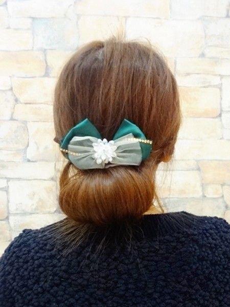 韩国女生甜美发型怎样扎+详细步骤 韩式职业发型扎法