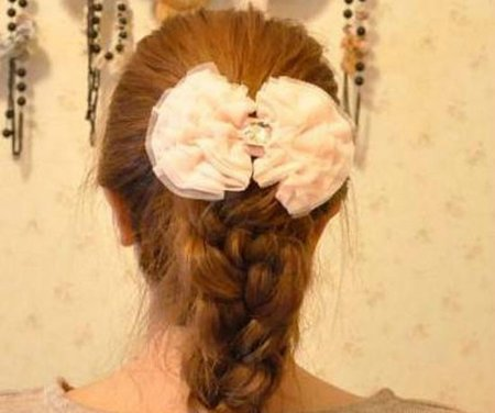 长头发马尾怎么编辫子 马尾辫编头发步骤