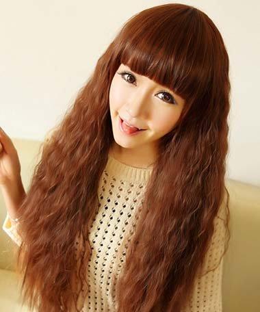 不是只有一款发型做造型的哦~女人将头发全部烫起来的发型,都有哪些图片