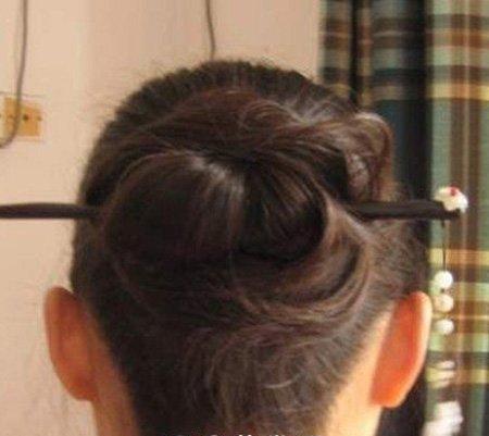在家怎么盘古代简单些的发型 古装发型盘法