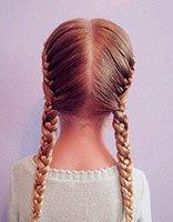 如何快速编制漂亮发型图解 小姑娘中长发型编发