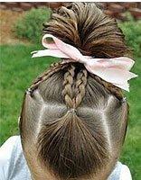 如何帮宝宝编头发步骤 短发宝宝怎么编头发