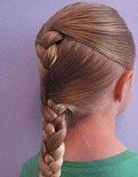 女孩漂亮的编发发型大全 学习给小女孩编发型