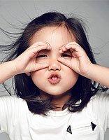 韩国儿童烫发扎发型图片 简单儿童扎头发发型