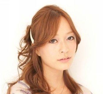 最新韩国大脸适合的长发扎法 大脸适合的长发扎法