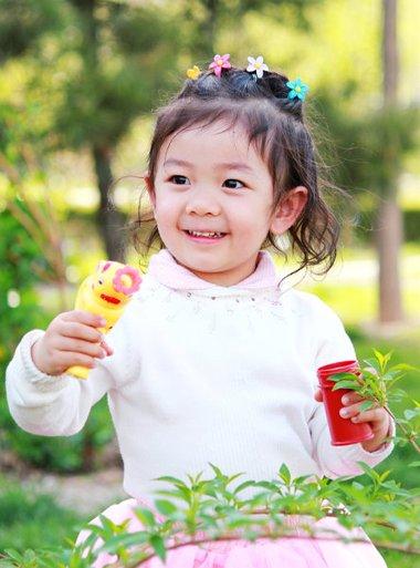 小孩短发简单的扎发型 小孩扎发型的方法