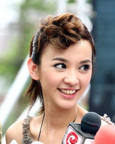 明星头发很短怎么盘发的 短头发盘法图片
