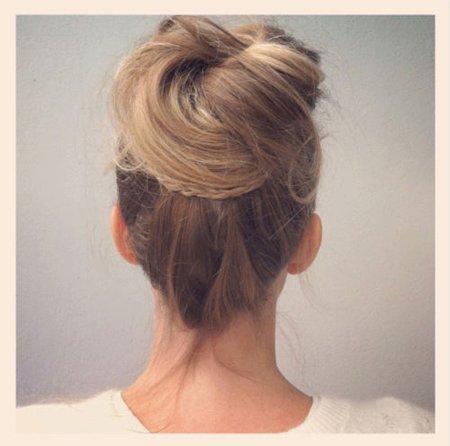 如何盘出蓬松发型 长发及腰盘发发型步骤