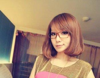 2016适合女学生戴眼镜的发型 女生戴眼镜发型图片图片