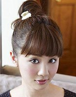 什么样的脸型适合盘丸子头 清新时尚的丸子头发型图片