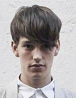 倒三角脸型男生发型 适合倒三角形脸的时尚短发发型