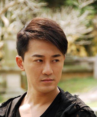 脸大男生短发发型 脸大的人适合的短发发型图片
