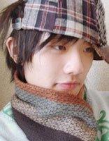 男生头发长如何戴帽子 男生长头发戴帽子发型图片