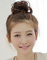 发型设计与脸型搭配 初中女生清新丸子头发型图片