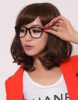 戴眼镜的方脸女孩适合什么样的发型 适合方脸戴眼镜发