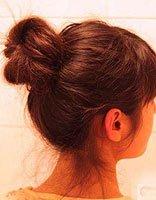小丸子头发怎么梳理 韩式小丸子头发扎发图解