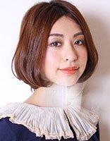 最适合40岁大脸女生发型头发少的时尚发型 中年女性的时尚发型图片