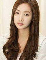 圆脸小眼睛适合的发型 适合圆脸女孩的时尚发型图片