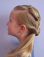 小女孩如何扎马尾辫可爱些 小女生好看马尾扎法图解