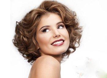 中老年妇女大波浪发型 中年女性时尚卷发发型设计