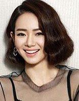 30岁大脸短发发型 大脸庞短发烫发发型图片