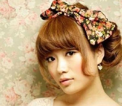 女生短发花苞头的简单扎法步骤 短发如何扎出好看的花苞头发型