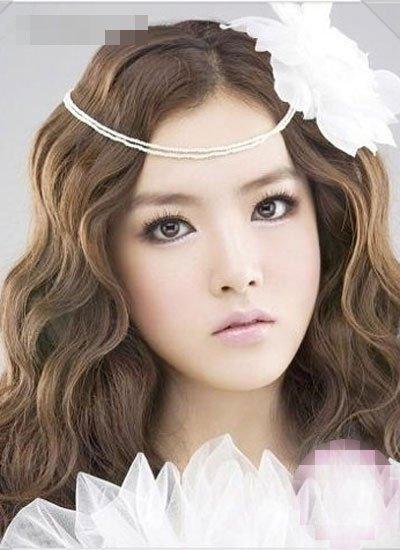 脸大了适合盘什么样的新娘发型 适合大脸新娘的盘发发型图片