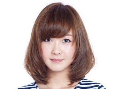 婴儿肥的女孩该怎样选择合适自己的发型 微胖脸适合的发型图片