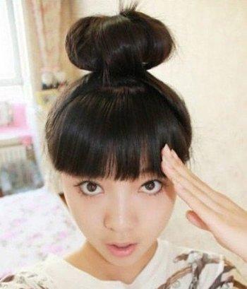 平刘海直发怎么扎丸子头好看 直发丸子头的扎法图解