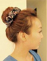 中年女人冬季2017年流行的包包头发型 女性包包头扎发