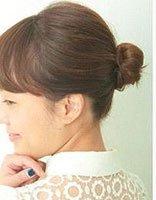 短发花苞头怎么扎 短发花苞头扎法过程