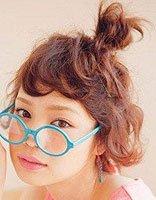 短头发怎么做最简单的花苞头发型 短发花苞头发型扎法