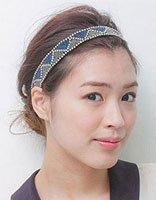 胖脸女孩无刘海怎么盘头发 胖脸无刘海蓬松发型扎法图