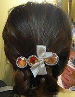 中学生中长发盘头发发型步骤 女学生时尚盘发发型设计