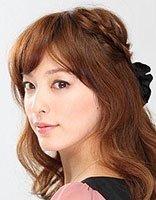 圆脸长发女生适合发型扎法步骤 胖圆脸长发扎发发型