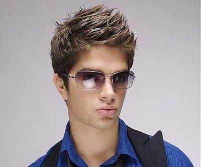 最流行梳男生的发型 男生阳刚发型