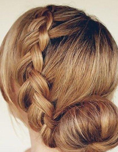 又多又长的直发怎样扎 直发如何扎成饱满的造型