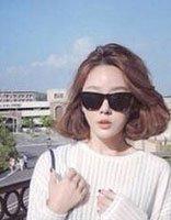 戴眼镜的人适合什么短发型 戴眼镜的女生短发发型