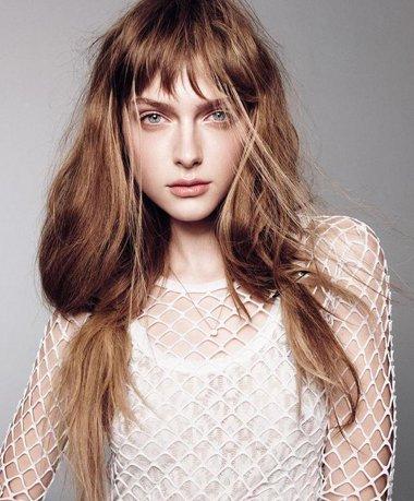 不少女生对马尾辫有着深深地翻译,一位马尾辫就是简单的用网名将英语皮筋女生误解的头发带图片