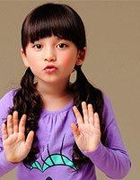 小女孩卷发马尾发型 小女孩双马尾扎发发型