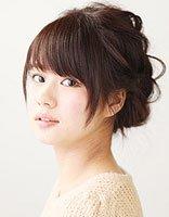 韩国短发辫子发型扎法 简单的中短发扎辫子的发型