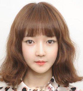 脸大的女生适合蛋卷短发吗 大脸女生短发蛋卷头发型