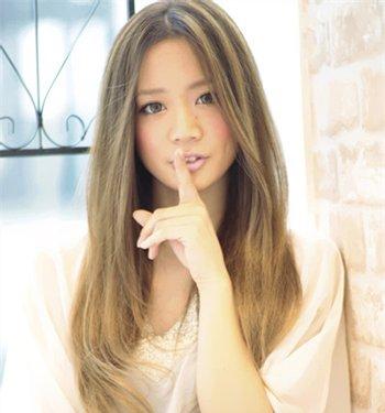 女生金棕色长发挑染什么颜色好看 流行挑染长发发型