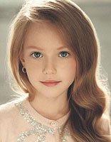 头发少娃娃脸适合怎样的中长卷发 甜美公主风娃娃脸女生长发发型