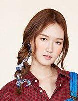 大脸韩式辫子发型 简单好看的侧辫子发型