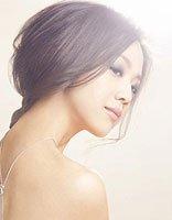 长脸窄额女生适合扎什么马尾发型 长脸扎马尾适合的刘海发型图片