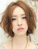 国字脸发量少适合剪短发吗 适合20岁国字脸的最美中短发发型图片