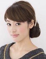 短一点的头发咋盘 女生最简单的盘头方法