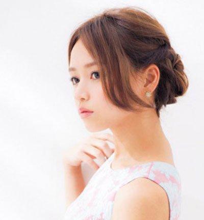 简单的发型盘发扎发步骤 女生盘头发型步骤图解