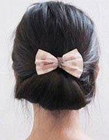 怎样盘头发既简单又好看 简单好看的小学生盘头发步骤